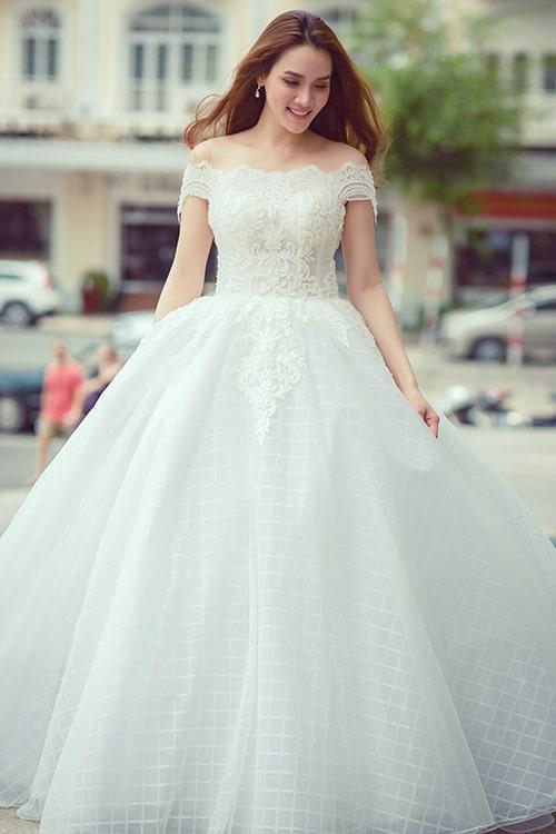 váy cưới màu trắng
