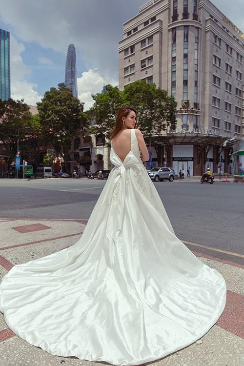cô dâu trong chiếc váy cưới