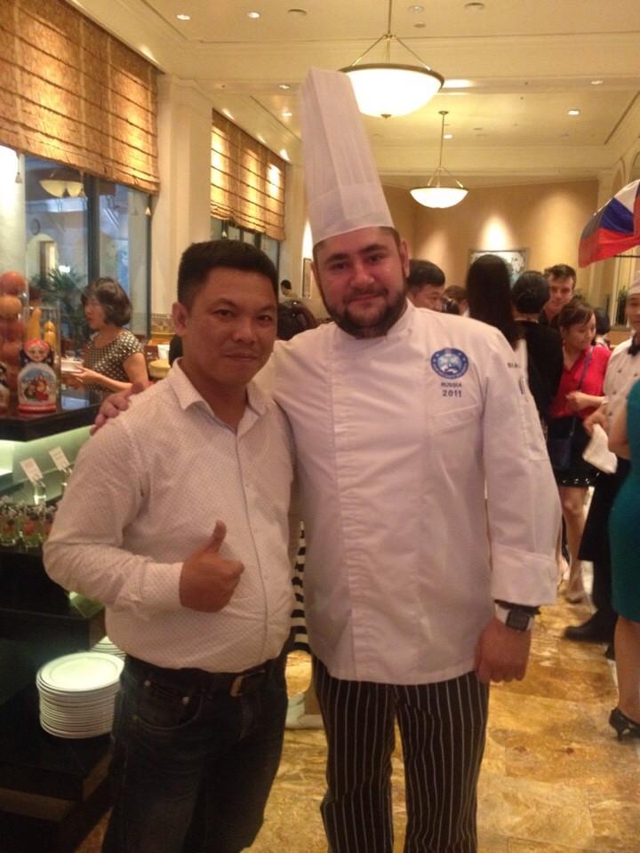 Đầu bếp giàu kinh nghiệm và chuyên nghiệp