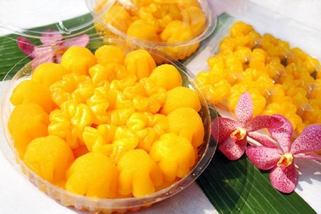 """""""Những sợi tơ vàng"""" trong tiệc cưới truyền thống tại Thái Lan"""