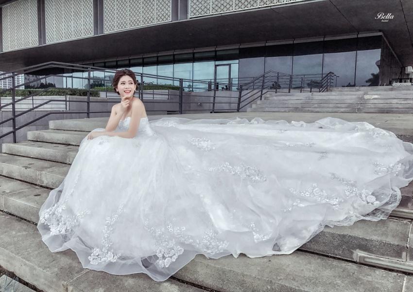 váy cưới đẹp cho tiệc cưới