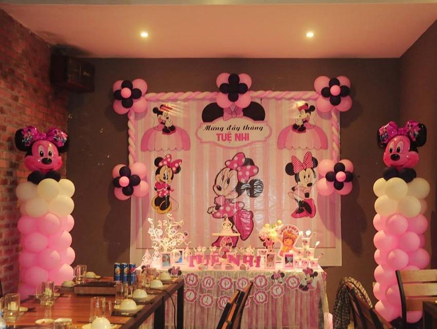 Trang trí sinh nhật bé gái gam hồng
