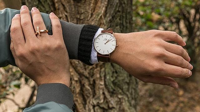 Đồng hồ giúp cánh mày râu thể hiện phong cách, sự sang trọng và lịch lãm