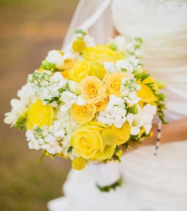 hoa cưới màu vàng
