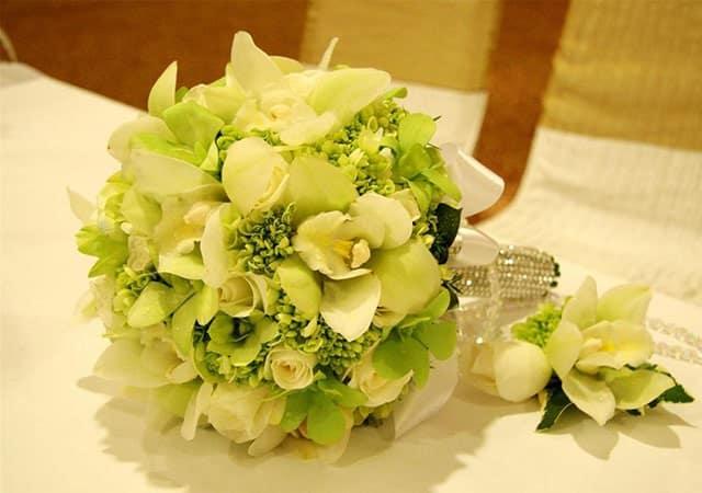 hoa cưới màu xanh