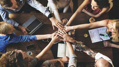 nhân sự có khả năng làm việc nhóm