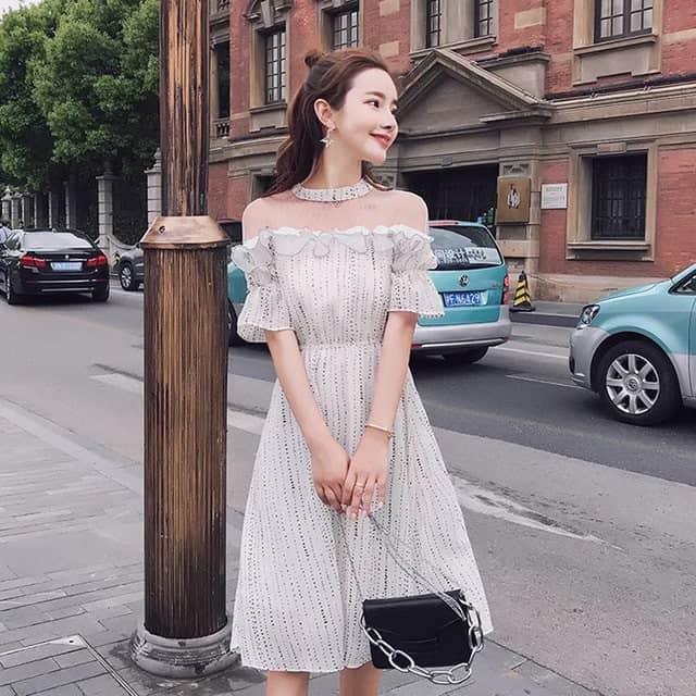 trang phục phù hợp với đám cưới mùa hè