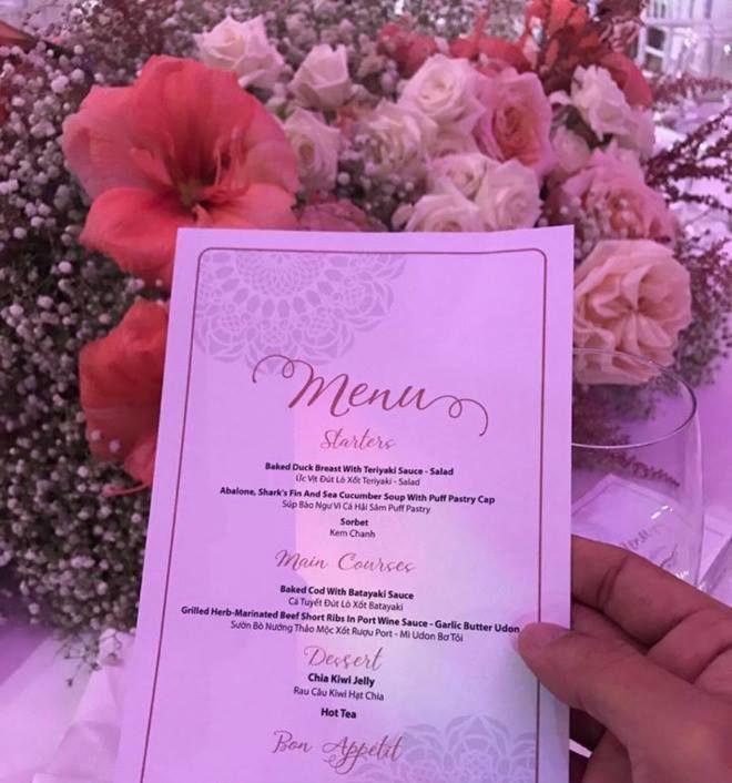 12 mẫu thực đơn tiệc cưới