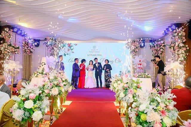 tiệc cưới viên mãn