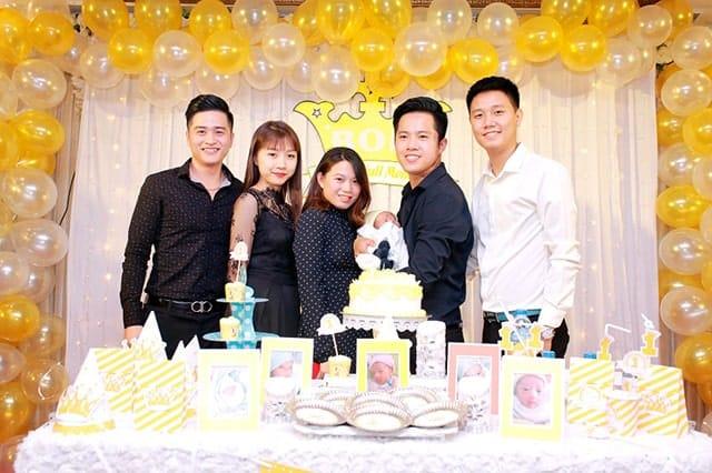 Tiệc đầy tháng ấm cúng của bé Bon bên gia đình